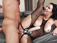 Evil angel veronica avluv fills her mans ass w...