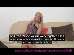 Femaleagent. poledancer learns new moves