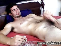 Amateur dude has a hot cock to jerk and wank