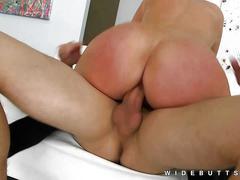 Large butt pornstar melissa may rides