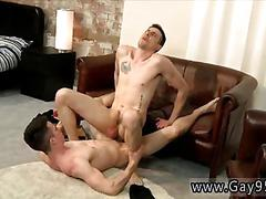 British twink makes his lover moan and grunt on the couch
