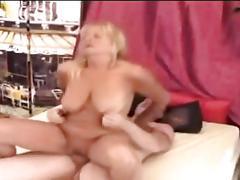Blonde granny lola enjoys a young prick smashing her snatch