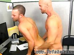 Gay boss loves fucking his inferior employee in the ass.