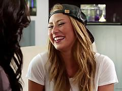Sweetheart video dj hopeful carter cruise lesb...