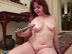 Chubby mature amateur masturbating