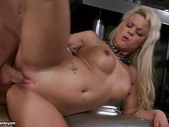 21 sextury horny blonde melane gets rammed dog...