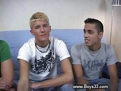 Twinks are hot to go freaky on cam