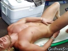 Muscly amateur gets naked
