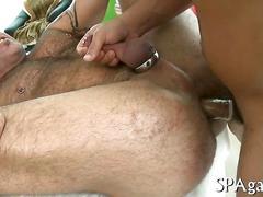Mature masseur gets his muscular ass bone by a straight guy