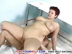 This hot bbw gets a really thorough and deep pussy massage