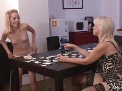 Lesbian mom teaching his gf