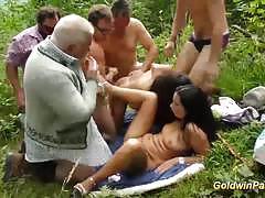German amateurs enjoy outdoor gangbang