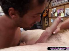 Dude moans like a lady at the pawnshop
