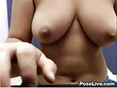 Slut shows off her nice tits