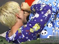 Cute twink gets sucked off in his pajamas