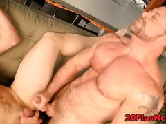 Muscle dude cum drenched