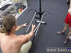 Skinny fit guy demonstrated gym equipment and fucks for cash