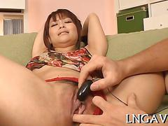 Trimmed asian chick toyed and boned while moaning