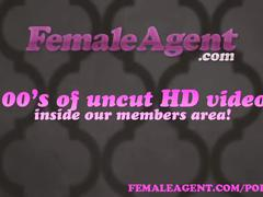 Femaleagent hot sexual chemistry during casting