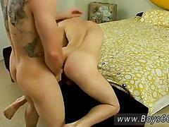 Tattooed dude gets his ass banged on the floor