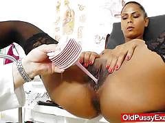 Ebony babe gets her pussy dildo fucked