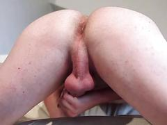 Solo jock jerks his short fat cock on the couch