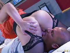 Beautiful doctor sunny lane fucks a patient