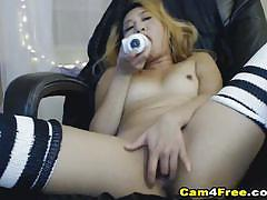 Amateur babe dildo fucks her warm slot