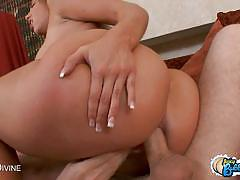 Bubble butt kelly divine fucked in all her hol...