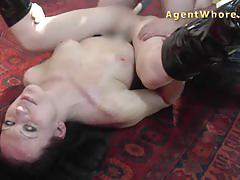 Wild milf licking and fingering lesson