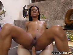 Hottie kira noir loves to fuck