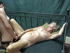 Teen babe fucks mature amateur