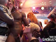 Swinger party goes wild