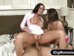 Stepmom vanilla deville threeway session in the bedroom