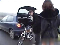 Fucking her wet pussy in the car for a sizzling ride