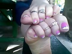 Soft soles n toe wiggles