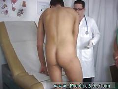 Sucking the patient off and the session is so real