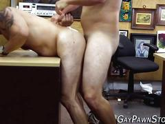 Muscly amateur gets fuck