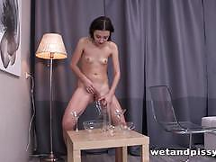 Randy brunette plays with her moist slot