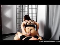 Eroticmusclevideos brandimae muscle handjob