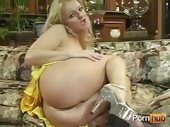 Chocolate lovin moms - scene 4 - pink kitty video
