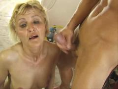 Blond mom fucks the delivery boy