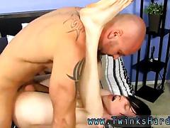 Ass licking the dude so the oral seems more pleasurable