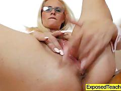 Horny milf pleasing her pussy