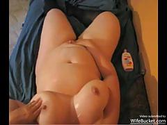 Chubby housewife toys her moist pussy