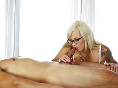 Tattooed babe vyxen steel gets her pussy fucke...