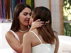 Valentina nappi slurps on hot gf sara luvv
