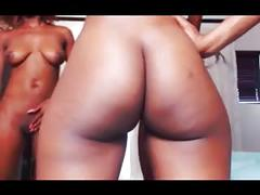 Lesbians with awesome ass shaking skills