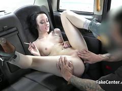 Skinny tattooed babe fucked taxi driver