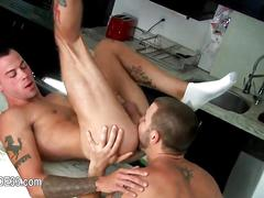 Two tattooed dudes fucked in a kinky one on one